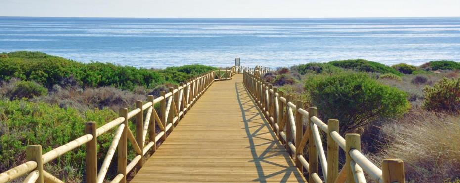 The beach walkways at Cabopino